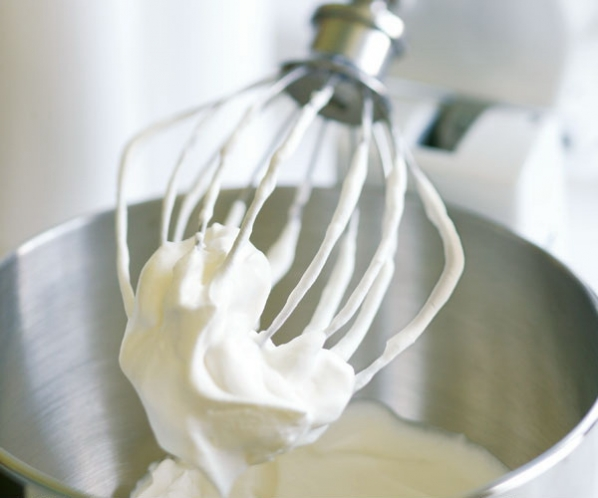 Crema din smantana si lapte condensat